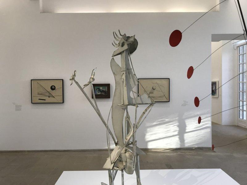 Vue de l'exposition Calder-Picasso, Musée Picasso, Paris (50)
