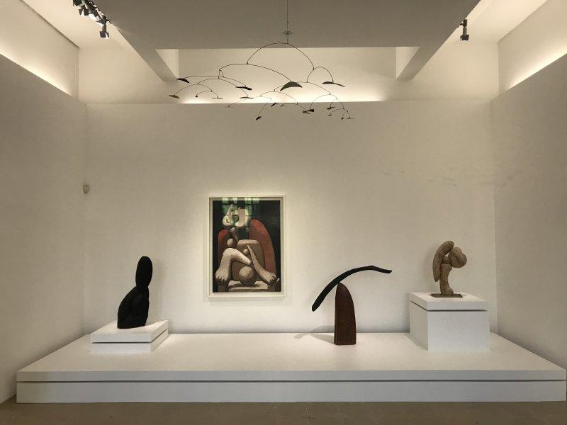 Vue de l'exposition Calder-Picasso, Musée Picasso, Paris (9)