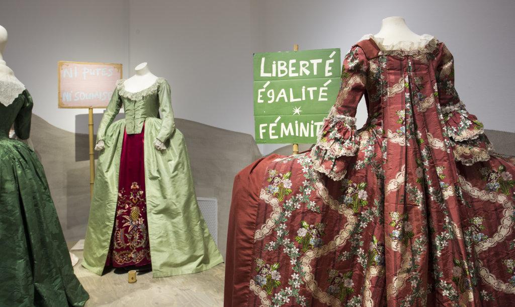 Vue de l'exposition Femmes Fatales - Gemeentemuseum La Haye (2)