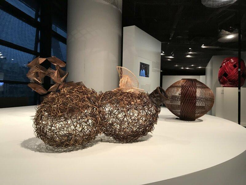 Vue de l'exposition Fendre l'air, l'art du bambou au Japon - Musée du Quai Branly - Jacques Chirac (51)