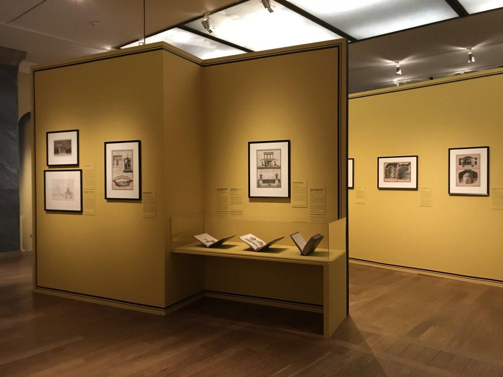 Vue de l'exposition Jean-Jacques Lequeu, Bâtisseur de fantasmes - Petit Palais (72)