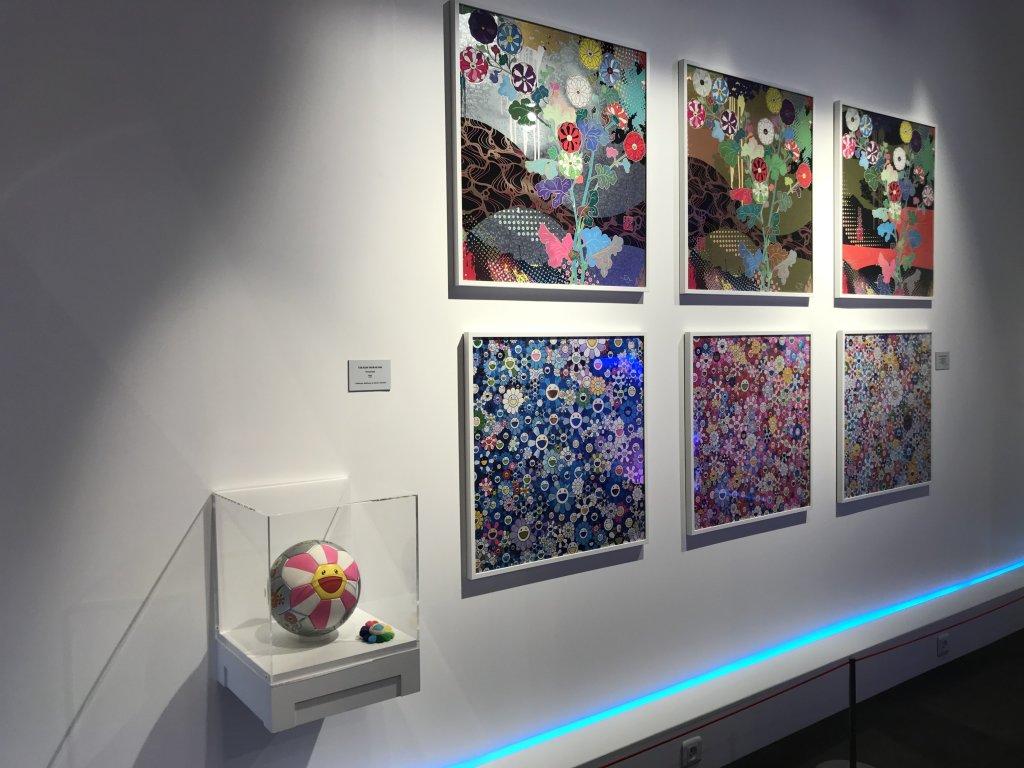 Vue de l'exposition Monstres, mangas et Murakami, Musée en herbe, Paris (84)