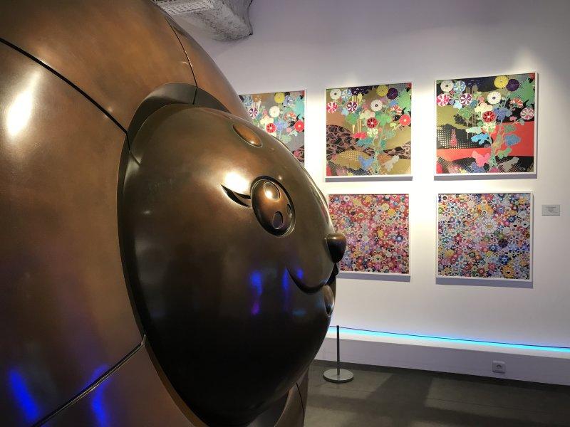 Vue de l'exposition Monstres, mangas et Murakami, Musée en herbe, Paris (88)