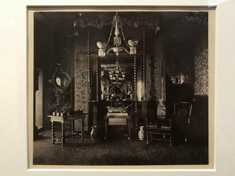 Vue de l'exposition - Portrait d'une maison - Maison de Victor Hugo - Paris (40)
