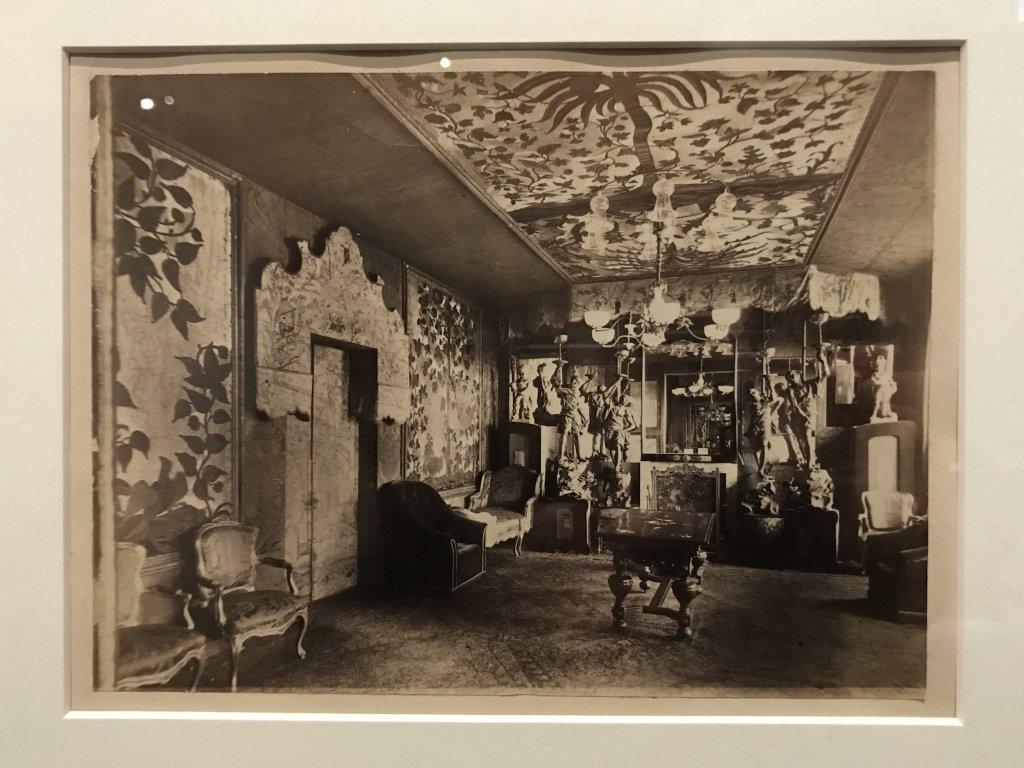 Vue de l'exposition - Portrait d'une maison - Maison de Victor Hugo - Paris (41)