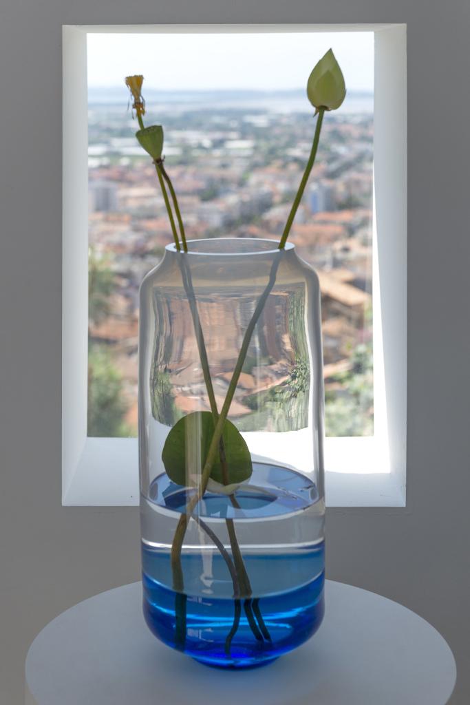 Carolien Niebling, Vase fleurs sous-marines, 2018