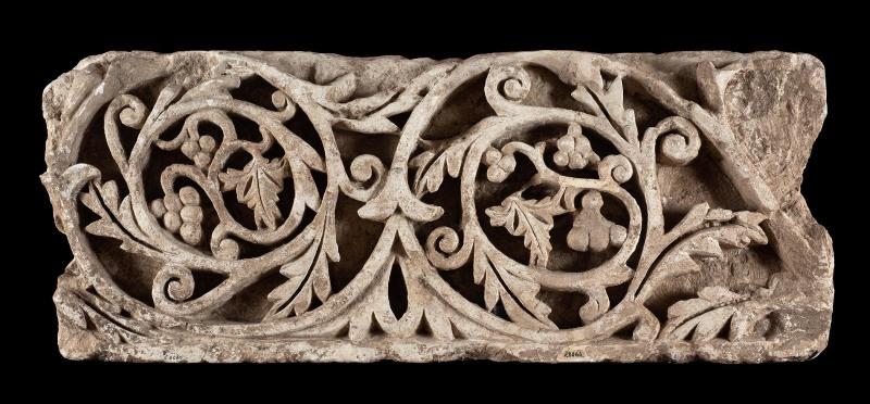 CalcaireL. 90 cm; l. 35 cmÉgypte, peut-être Baouît, 5esiècle  Bruxelles, Musées royaux d'Art et d'Histoire