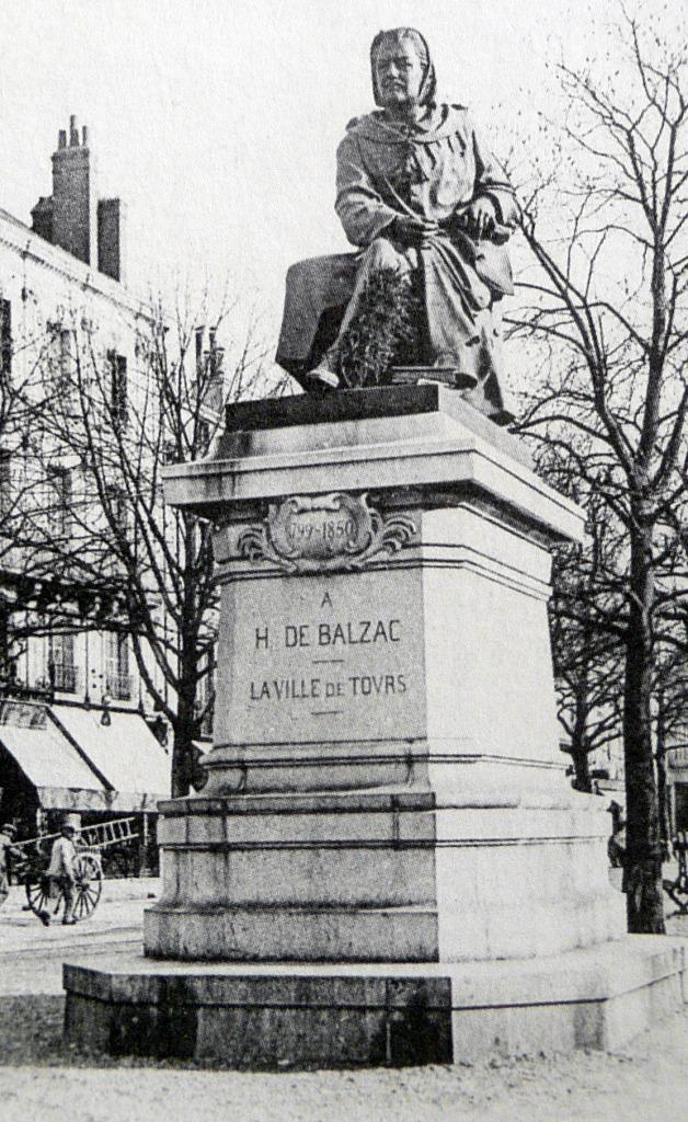 Statue de Balzac