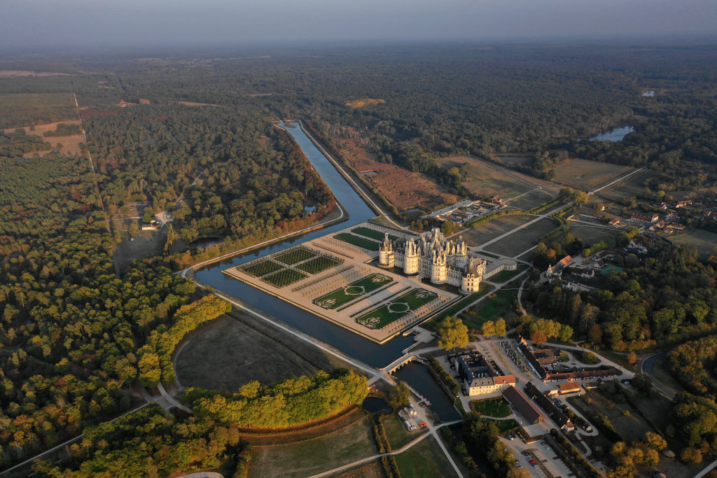 (c) Domaine national de Chambord