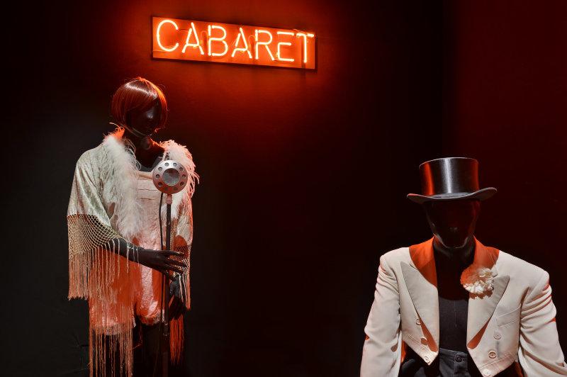 Centre National du Costume de Scène  Exposition Comédies Musicales © Jean-Marc Teissonnier