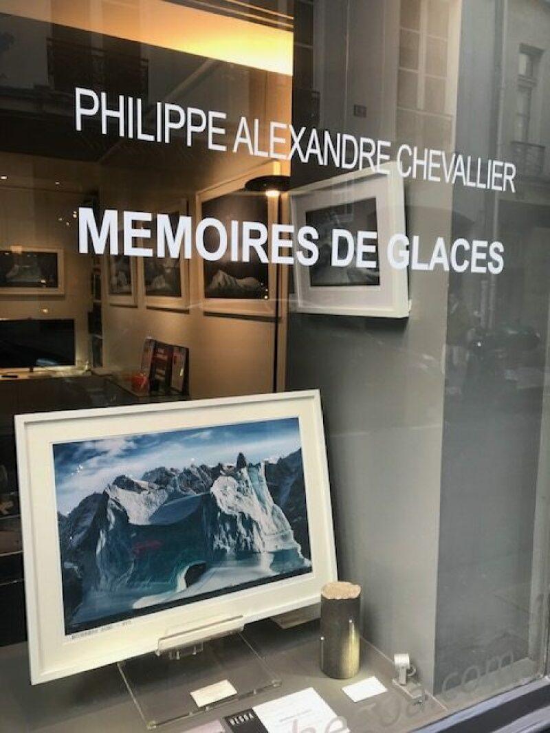 Galerie HEGOA Paris, expo Memoires de Glaces vitrine droite