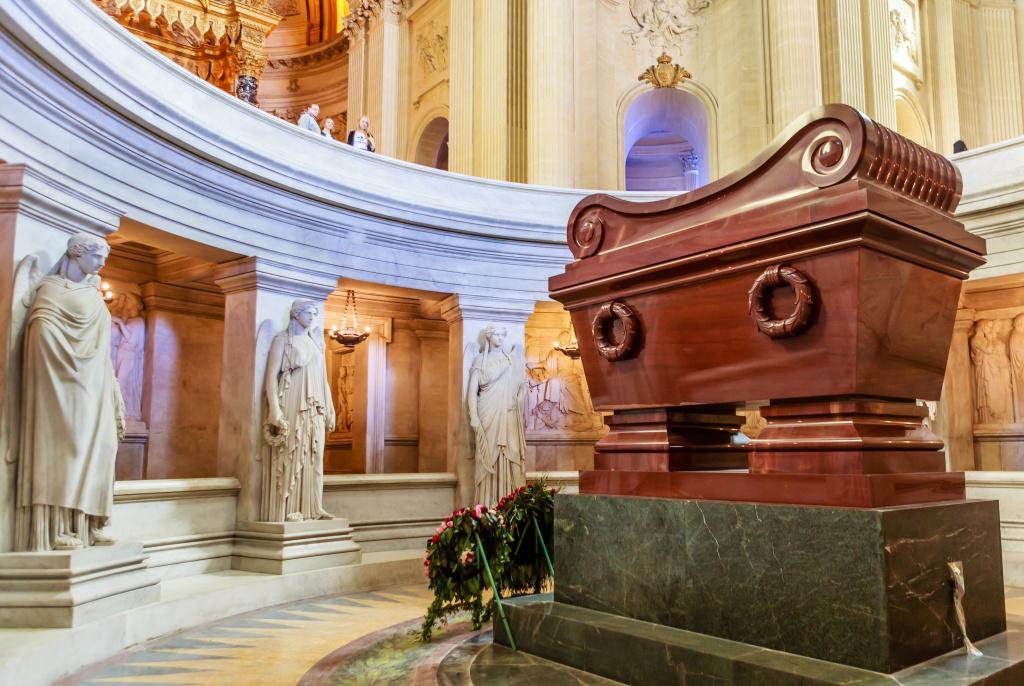 Tombeau de Napoléon Bonaparte.The St. Louis Cathedral Invalides. Paris, France