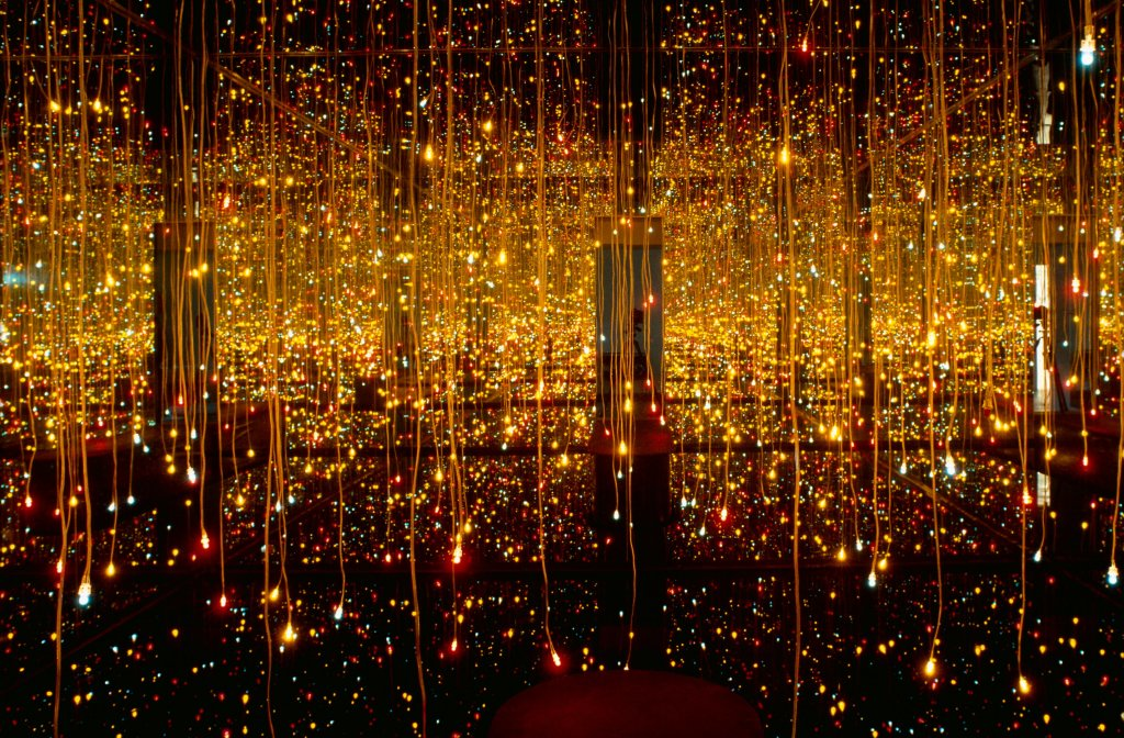 Kusama, Infinity Mirror Room Fireflies on the water