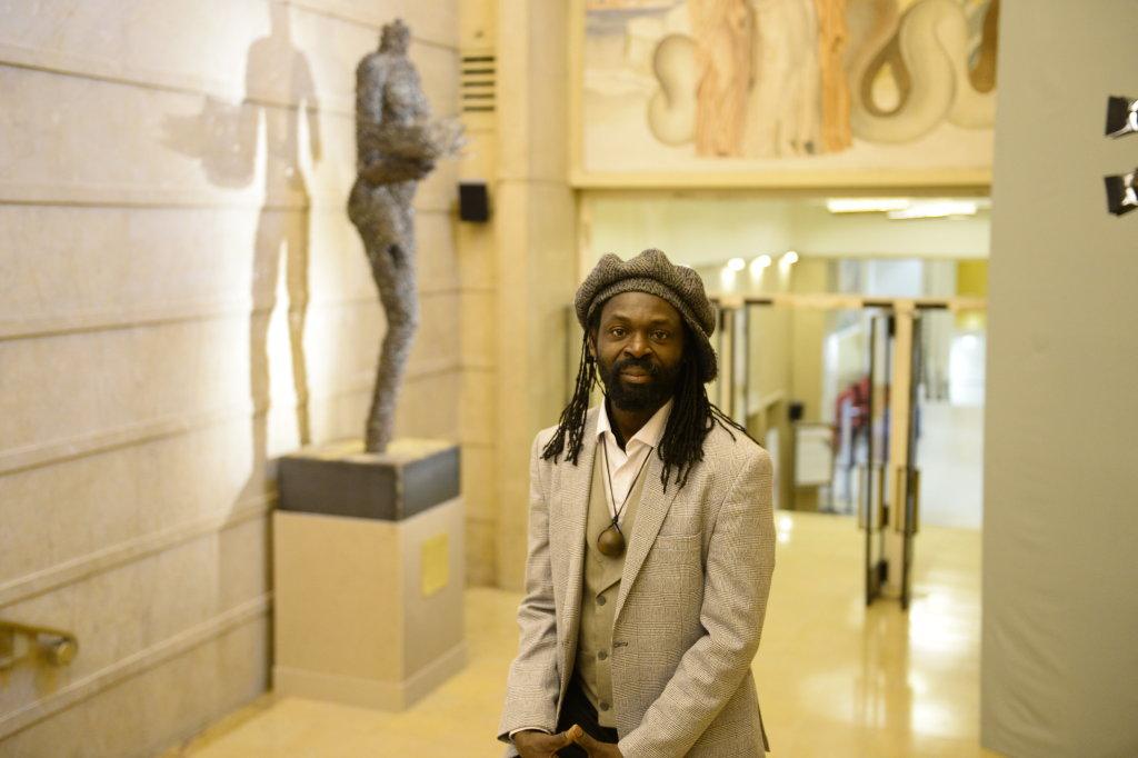Porteuse de vies de Freddy Tsimba - Don du Manège de Chaillot à Chaillot - Théâtre national de la Danse