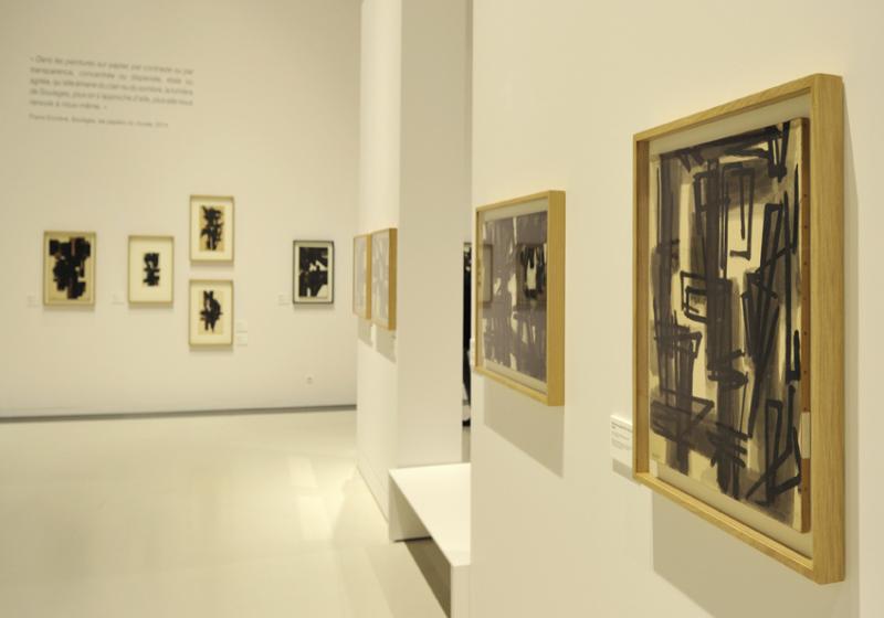 Vue de l'exposition Pierre Soulages, oeuvres sur papier - Musée Soulages, Rodez (13)