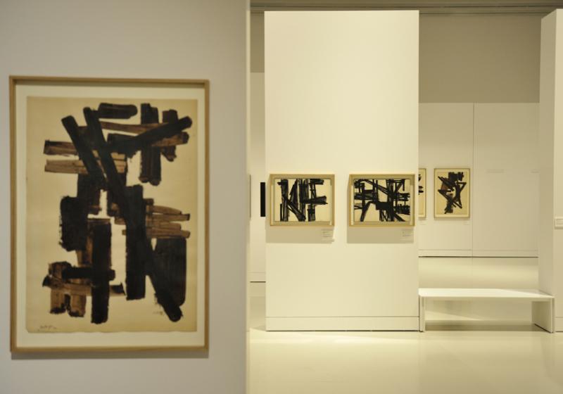 Vue de l'exposition Pierre Soulages, oeuvres sur papier - Musée Soulages, Rodez (4)