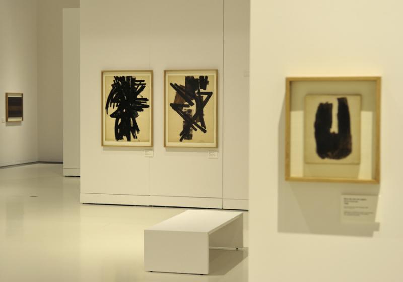 Vue de l'exposition Pierre Soulages, oeuvres sur papier - Musée Soulages, Rodez (8)